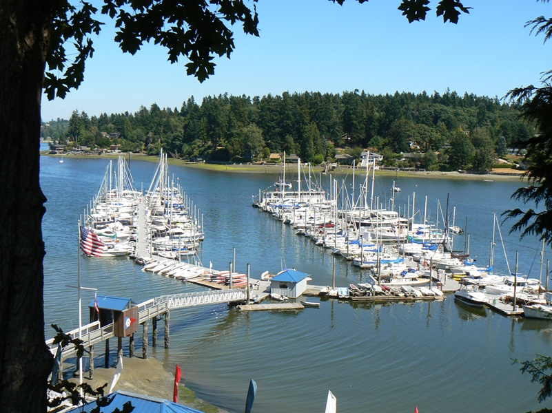 Quartermaster Harbor Yacht Club